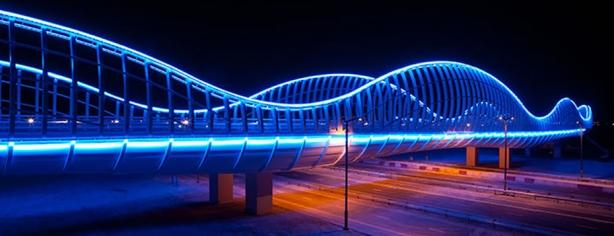 LED Dubais Meydan Bridge